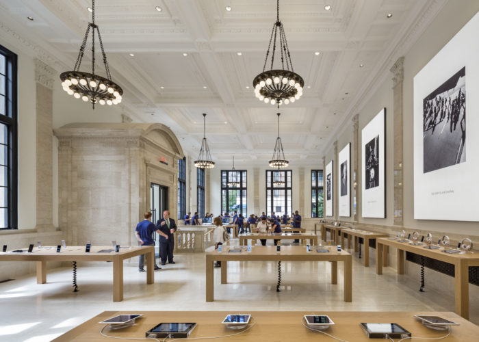 Bohlin Cywinski Jackson Honored with Architecture Interior Award for Apple Store, Upper East Side